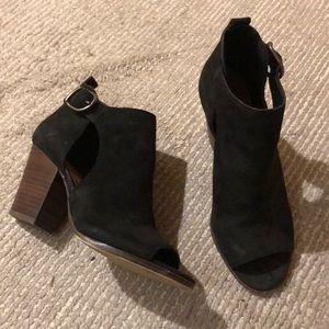Lucky Brand cut out peep toe heels